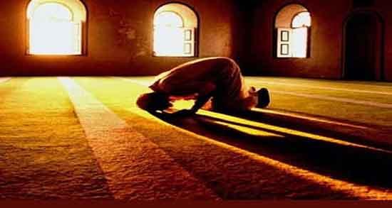 تعبیر خواب نماز ، خواندن شخص دیگر در خانه و نماز جماعت خواندن پشت به قبله