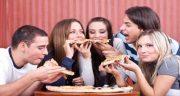 تعبیر خواب غذا خوردن با فامیل ، غذا نخوردن ابن سیرین و بردن برای دیگران و با معشوق