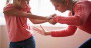 تعبیر خواب کتک زدن فرزند دختر توسط مادر ، سیلی زدن به صورت دختر توسط پدر