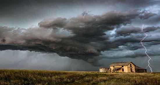 تعبیر خواب طوفان ، حضرت یوسف و بستن پنجره ها و ابر سیاه و نجات از طوفان