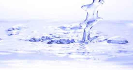 تعبیر خواب آب ریختن ، مرده روی زمین و پشت سر مسافر و روی آدم و پاشیدن روی سر