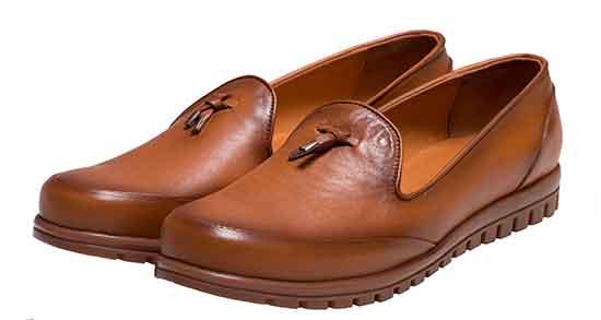 تعبیر خواب کفش گم شده چیست ، و گم شدن کفش در مسجد و زیارتگاه امام صادق