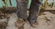 تعبیر خواب کفش پوشیدن ، و بردن کفش توسط آب همسر و مادر و پدر