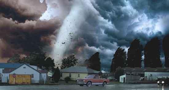 تعبیر خواب طوفان از پشت پنجره ، معنی دیدن طوفان در خانه چیست