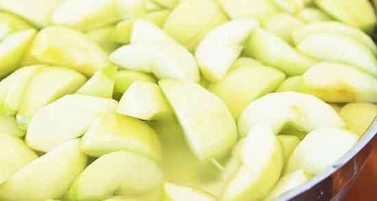 تعبیر خواب سیب پوست کنده ، و دیدن گرفتن پوست سیب در خواب و تعارف