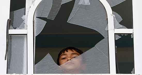 تعبیر خواب شکستن شیشه پنجره ، و شیشه شکسته روی زمین و بطری شیشه ای