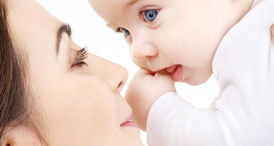 تعبیر خواب شیر دادن به طفل ، شیر دادن به نوزاد پسر توسط مادر