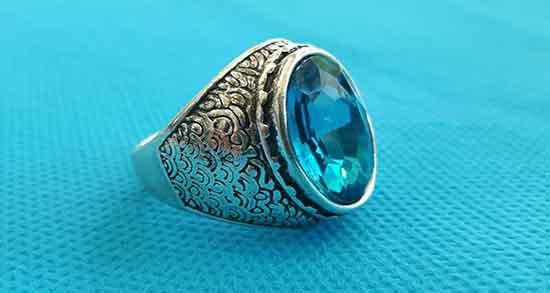 تعبیر خواب انگشتر آبی رنگ ، فیروزه ای در خواب دیدن چه معنایی دارد