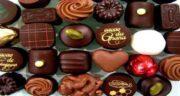 تعبیر خواب ریختن شکلات روی سر ، معنی ریختن شکلات روی سر در خواب چیست