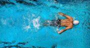 تعبیر خواب شنا در آب سرد ، معنی در آب سرد شنا کردن چیست