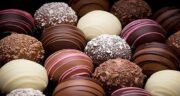 تعبیر خواب شکلات و شیرینی ، معنی دیدن شکلات و شیرینی در خواب ما چیست