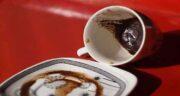 تعبیر خواب فال قهوه ؛ معنی فال قهوه گرفتن در خواب چیست