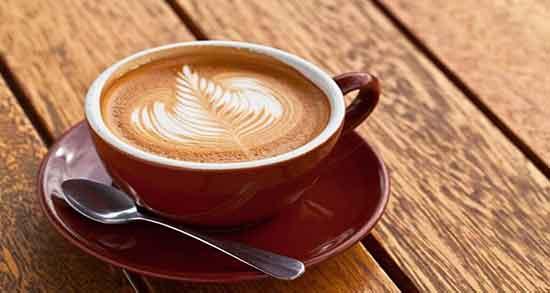 تعبیر خواب قهوه دادن ؛ معنی قهوه دادن به دیگران در خواب های ما چیست
