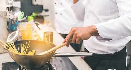 تعبیر خواب آشپزی برای دیگران ؛ معنی آشپزی کردن برای دیگران چیست
