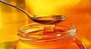 تعبیر خواب ریختن عسل ؛ معنی ریختن عسل در خواب های ما چیست