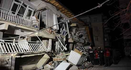 تعبیر خواب زلزله و فرو ریختن خانه ؛ معنی دیدن زلزله و فرو ریختن خانه در خواب چیست
