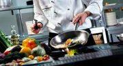 تعبیر خواب پختن خورشت ؛ قیمه و قورمه سبزی و قیمه بادمجان در خواب چیست