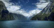 تعبیر خواب کوه و دریا ؛ معنی دیدن کوه و دریا در خواب های ما چیست