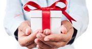 تعبیر خواب هدیه گرفتن از خادم امام رضا ، معنی دیدن هدیه گرفتن از خادم امام رضا