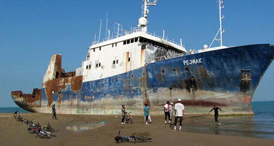 تعبیر خواب دیدن کشتی بزرگ ، معنی دیدن کشتی بزرگ در خواب های ما چیست