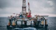 تعبیر خواب نفت ریختن در دریا ، معنی نفت ریختن در دریا در خواب چیست