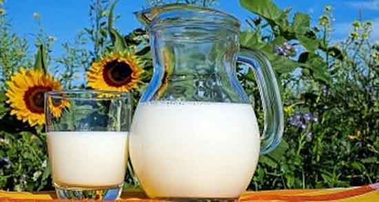 خواص شیر ؛ برای بزرگسالان و خواص شیر گرم و خام برای قلب و مو و پوست
