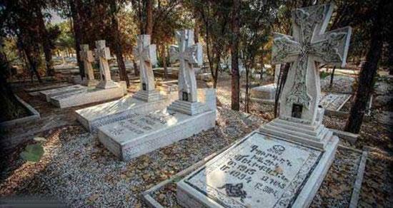 تعبیر خواب قبرستان مسیحیان ، معنی دیدن قبرستان مسیحیان در خواب چیست