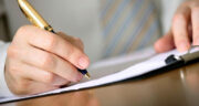 تعبیر خواب نوشتن نام خود ، معنی نوشتن نام خود در خواب های ما چیست