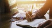 تعبیر خواب نوشتن روی کاغذ ، معنی نوشتن روی کاغذ در خواب های ما چیست