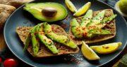 آووکادو برای صبحانه ؛ فواید مصرف میوه آووکادو برای وعده صبحانه