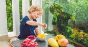 انبه برای کودکان ؛ ارزش غذایی میوه انبه برای افزایش رشد کودکان