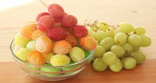 انگور و اسهال ؛ تاثیر خوردن بیش از حد انگور موجب اسهال می شود
