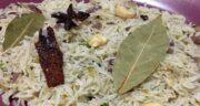 برگ بو در برنج ؛ بهترین چاشنی و ادویه همراه برنج برگ بو می باشد