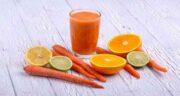 خاصیت آب هویج ؛ از بین رفتن تاری دید و جلوگیری از پیری چشم
