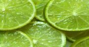 خواص آب لیمو ترش برای چشم ؛ جلوگیری از ضعیف شدن چشم و تیزبینی