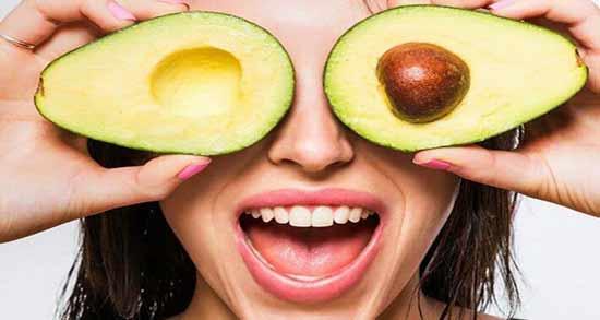 خواص آووکادو برای پوست ؛ استفاده از آووکادو برای تهیه ماسک مخصوص صورت