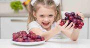 خواص انگور برای کودکان ؛ تاثیر خوردن انگور برای سلامت و رشد بچه ها