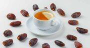 مصرف خرما با چای ؛ آیا می توان برای خوردن چای به جای قند از خرما استفاده کرد؟