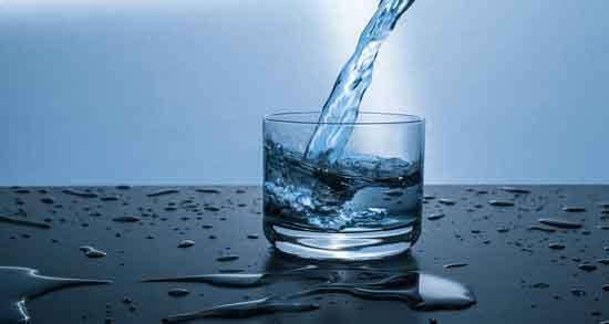 آب گازدار و سنگ کلیه ؛ میتواند توانایی بلع را بهبود دهد