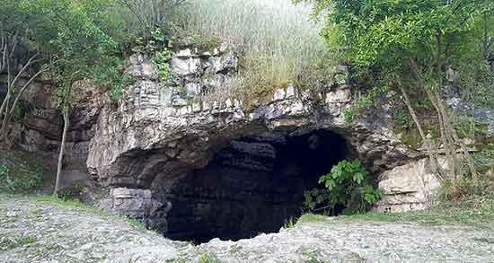 تعبیر خواب آب در غار ، معنی دیدن آب در غار در خواب های ما چیست