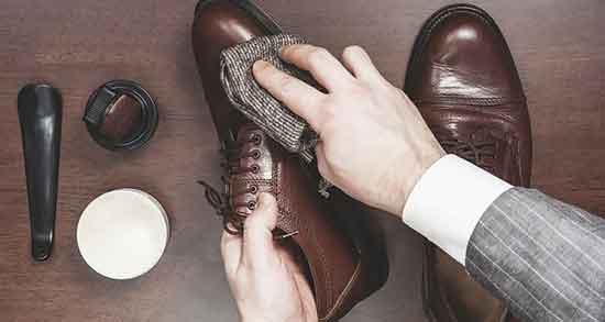 تعبیر خواب کفش واکس خورده ، معنی دیدن کفش واکس خورده در خواب چیست