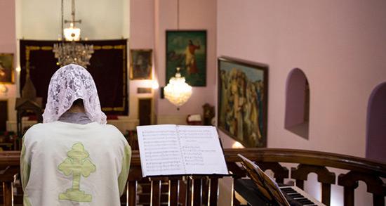 تعبیر خواب نماز خواندن در کلیسا ، معنی نماز خواندن در کلیسا در خواب ما چیست