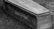 تعبیر خواب تابوت در قبرستان ، معنی دیدن تابوت در قبرستان در خواب های ما چیست