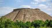 تعبیر خواب تپه سنگی