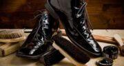 تعبیر خواب واکس زدن کفش قهوه ای ، معنی واکس زدن کفش قهوه ای در خواب