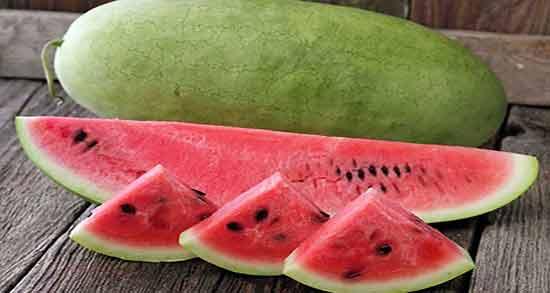 آیا هندوانه باعث اسهال میشود ؛ خوردن هندوانه و دچار شدن به اسهال