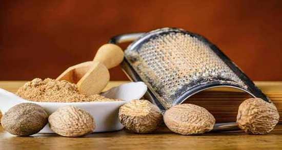 جوز هندی و روغن خراطین ؛ تاثیراتی که مصرف جوز هندی با روغن خراطین دارد