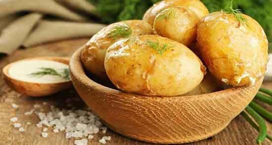 عوارض مصرف زیاد سیب زمینی آب پز ؛ مضرات خوردن بیش از حد سیب زمینی پخته