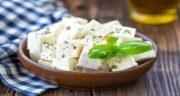 خواص پنیر و بادام ؛ فواید خوردن پنیر و بادام + ایا بادام و پنیر برای حافظه خوب است