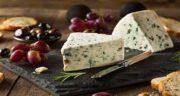 خواص پنیر و کنجد ؛ ایا خوردن پنیر با کنجد مفید است + مصرف پنیر کنجدی در شب